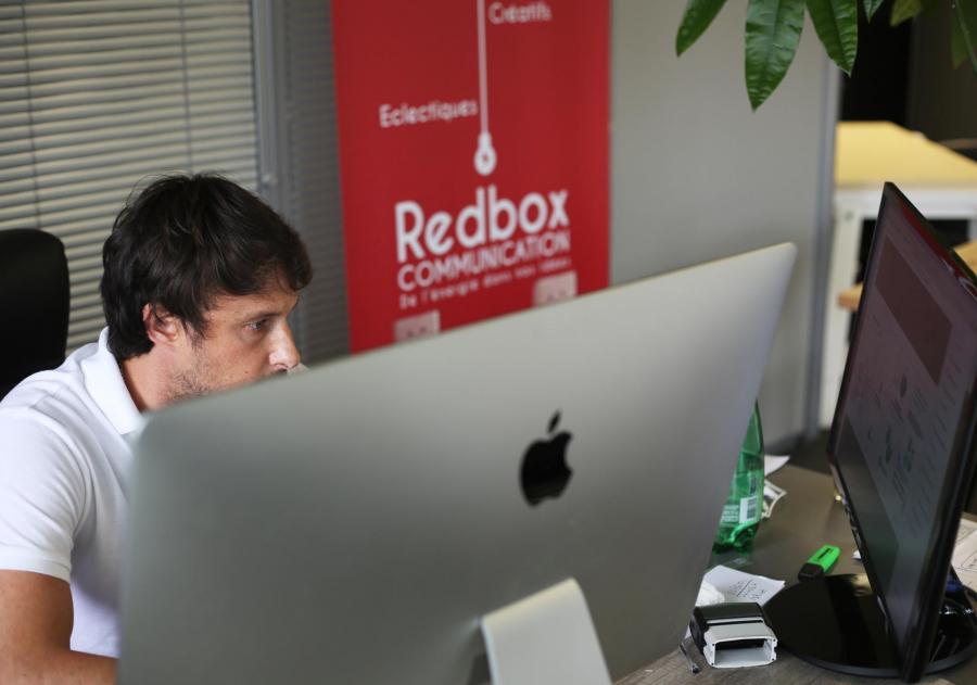 Arnaud Viac, directeur artistique de Redbox Communication